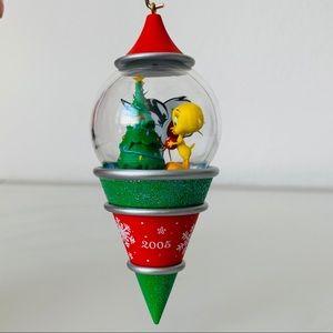 NEW 2005 Hallmark Looney Tunes Ornament